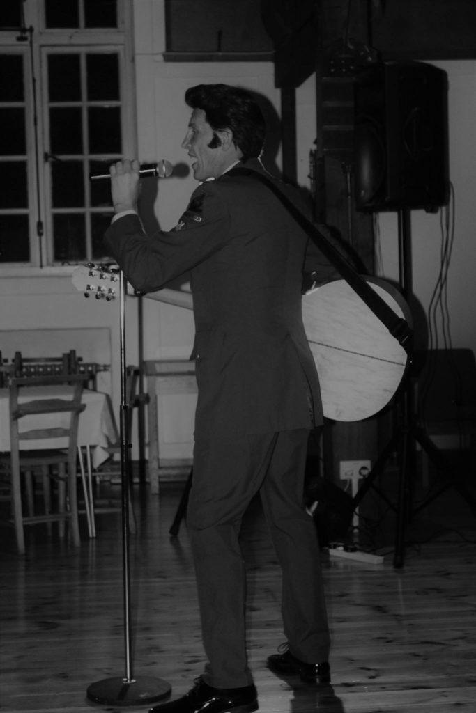 Chris Field as Elvis in Costume