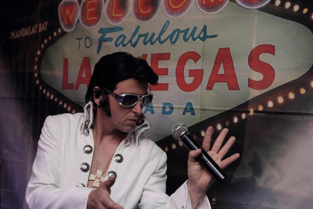 Chris Field as Elvis - Kent Based Elvis Impersonator