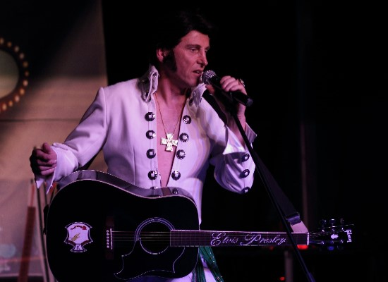 Chris Field as Elvis - Top UK Elvis Impersonator