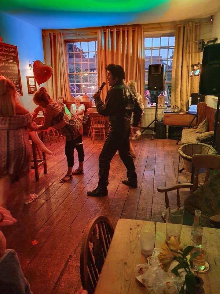 dance hen night Elvis